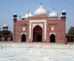 Varanasi Tourism Honeymoon